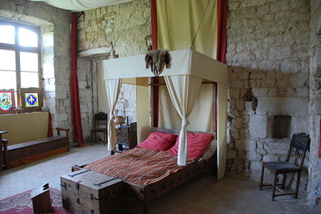 Largentière : le château - exposition 'mille ans d'histoire'