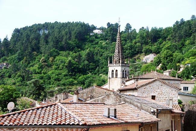 Les toits de Largentière et le clocher